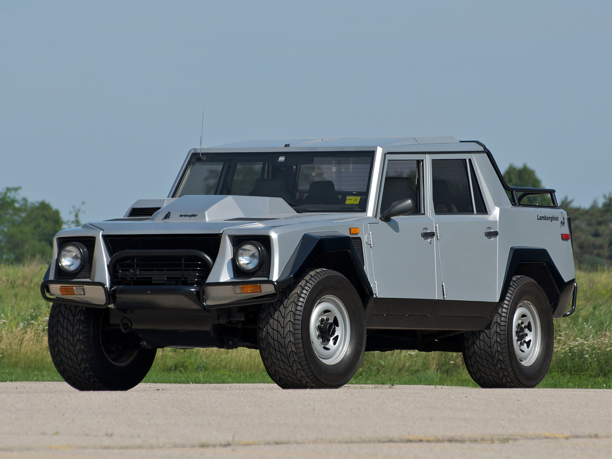 hunter-s-thompson-lamborghini-lm002-goodshoutmedia