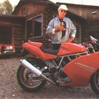 H.S.T reviews the Ducati 900SS