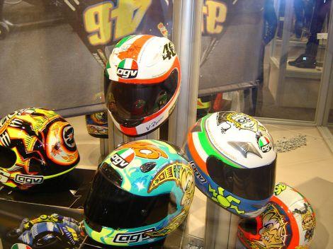 800px-valentino_rossis_agv_helmets-2