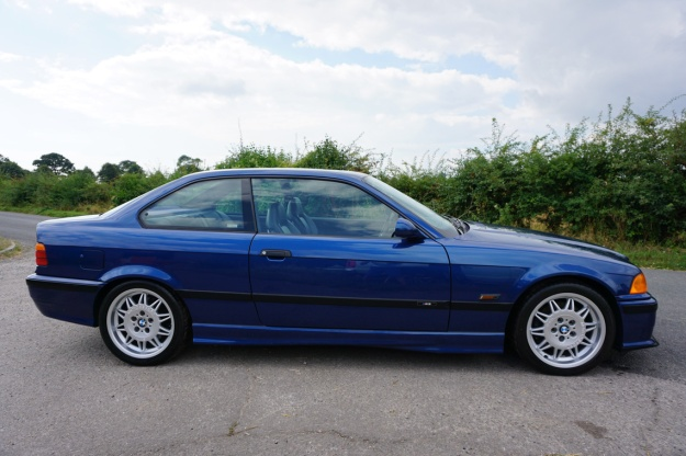 goodshoutmedia-bmw-e36-m3-coupe-avus-blue-everyman-auction_0009_layer-2