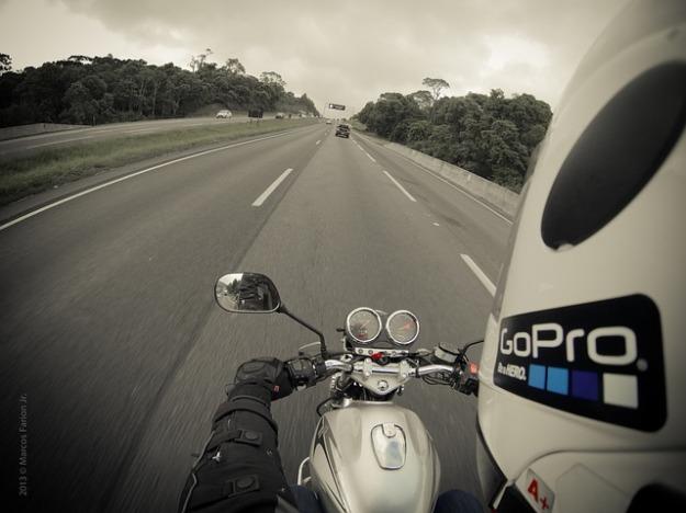 motorcycle-345028_640.jpg