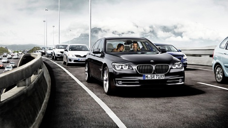 goodshoutmedia-bmw-7-series-traffic