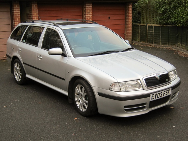 goodshoutmedia-fast-estates_0005_skoda-octavia-vrs-mk1-estate