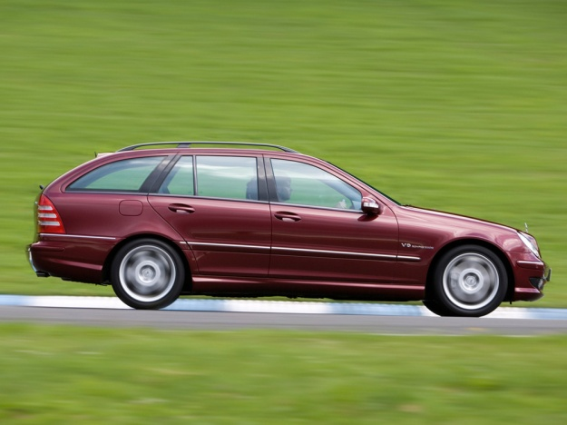 goodshoutmedia-fast-estates_0008_mercedes-w203-c55-amg-estate