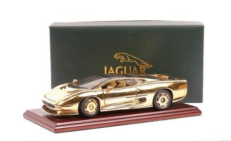 goodshoutmedia-maisto-jaguar-xj220-gold-plated-gwilo-4.jpg