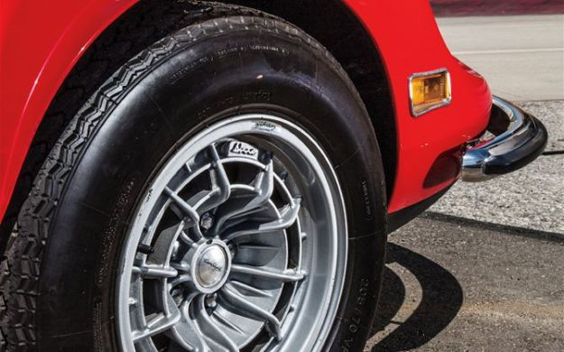 1973-ferrari-dino-246gts-front-wheel