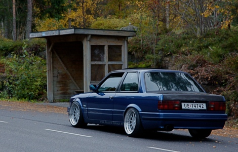 goodshoutmedia-bmw-e30-18inch-wheels