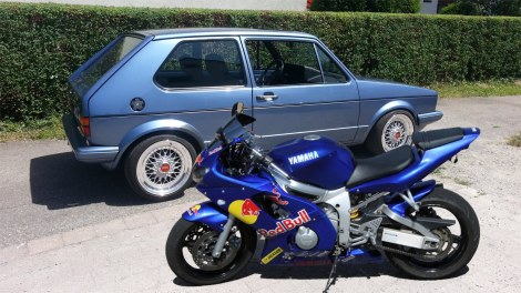 golf and yamaha r6 mk1