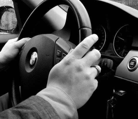 bmw steering wheel.jpg