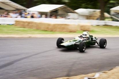 C17 - Lotus Type 35 F2, Paul Matty, 1965   4:1600