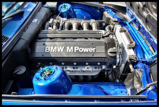 BMW-E30-M3-Touring-11
