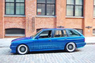 BMW-E30-M3-Touring-8