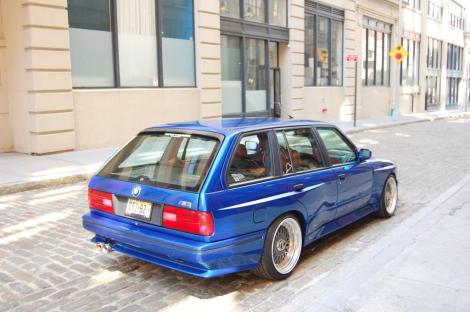 BMW-E30-M3-Touring-9
