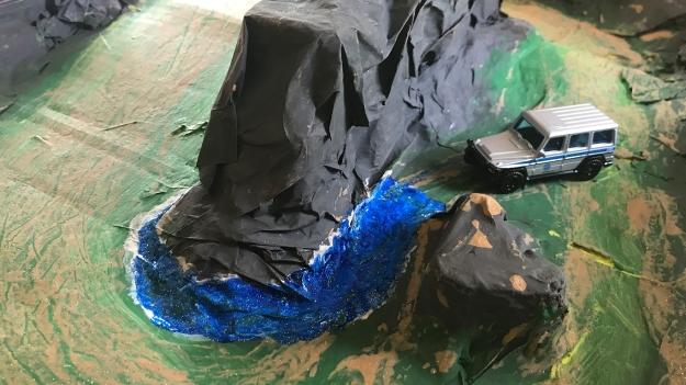 Paper-Mache-Jurassic-Park-Hotwheels_0000s_0013_IMG-1434