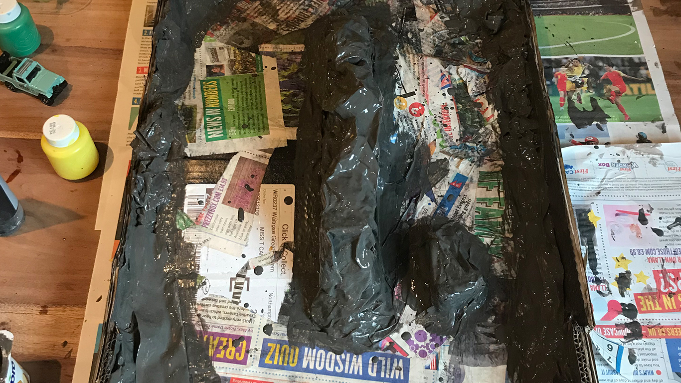 Paper-Mache-Jurassic-Park-Hotwheels_0000s_0020_IMG-1370
